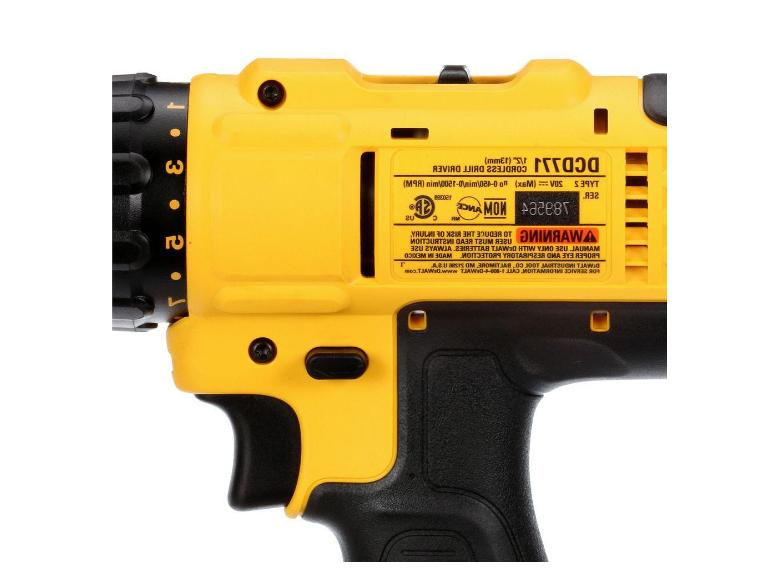 DEWALT 20V 1/2in DRILL/DRIVER W/FREE 20 AND CORDLESS
