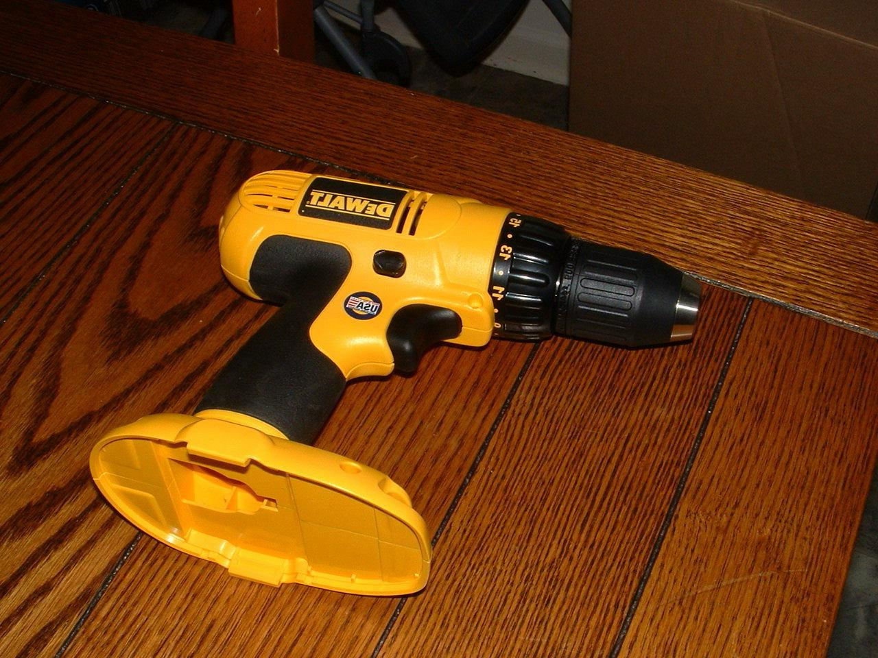 new 18v dc759 1 2 drill driver